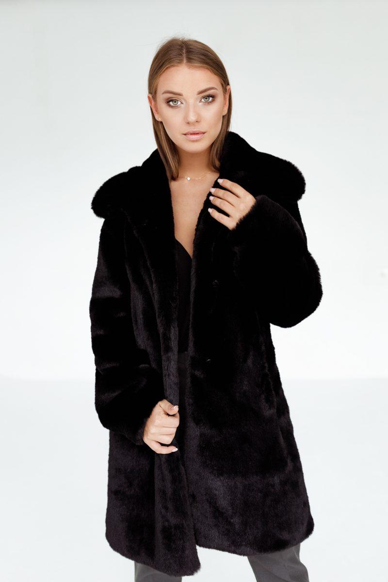 Czarny Futerkowy Płaszcz z Klasycznym Dużym Kołnierzem