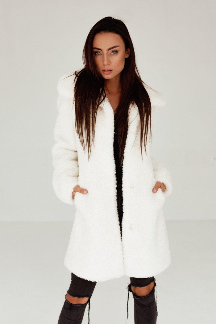 Płaszcz z Baranka od SMOKEFURS to świetna alternatywa dla pospolitej kurtki puchowej. Tylko wysoka jakość!!