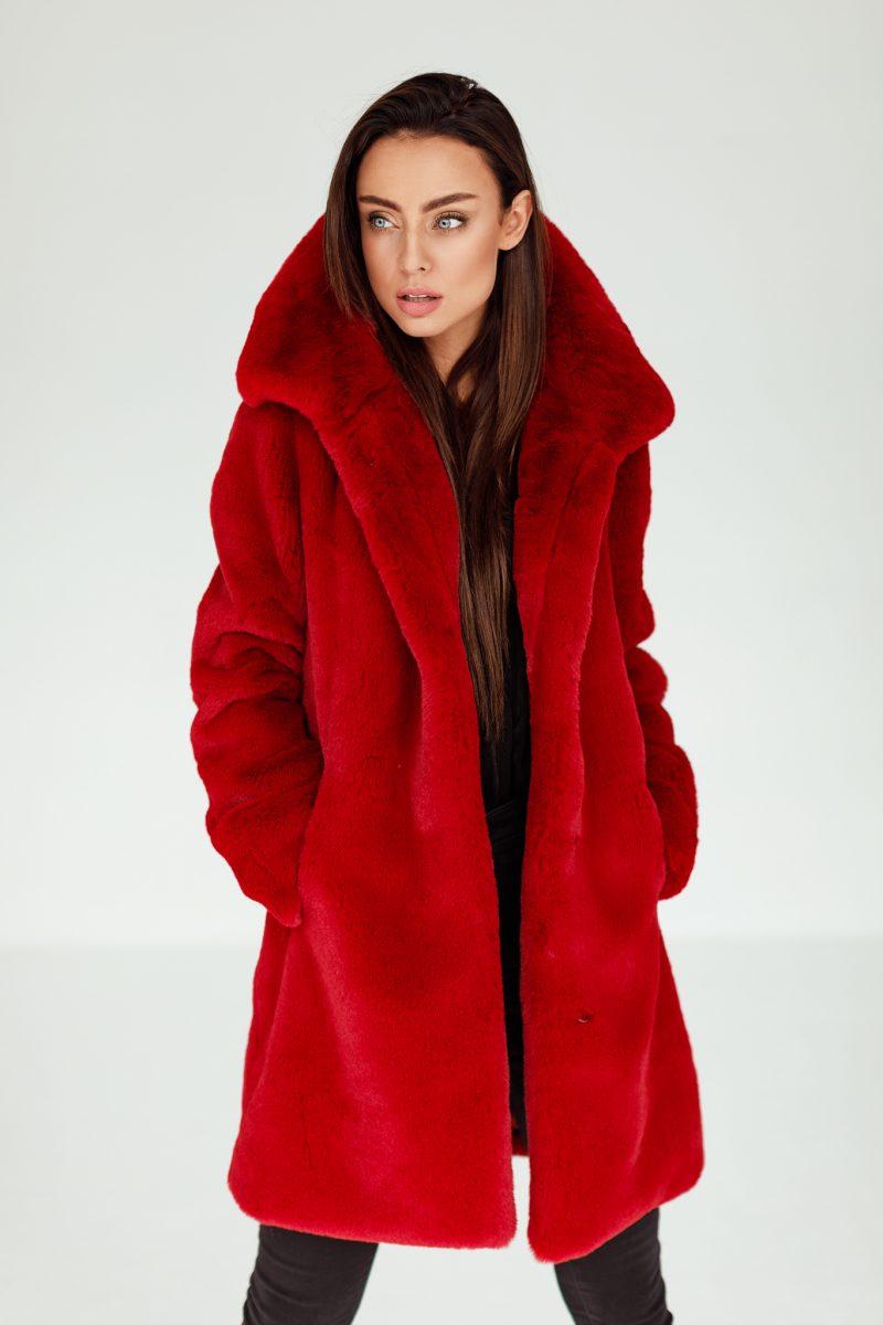 Czerwony Futerkowy Płaszcz z Klasycznym Dużym Kołnierzem
