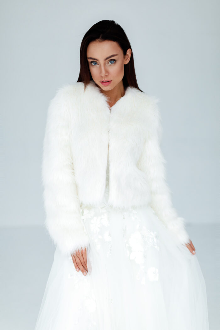 Najnowsza kolekcja bolerek ślubnych tylko w Smoke Furs
