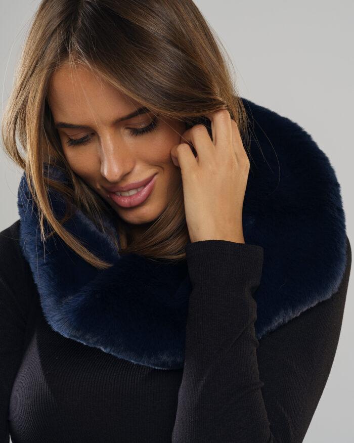 Pełna oferta kolorów i fasonów płaszczy ze sztucznego futra dostępna na stronie Smoke Furs