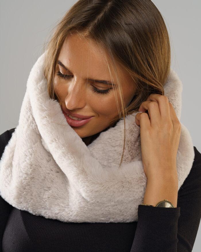 Zimowa kolekcja futerek damskich 2020