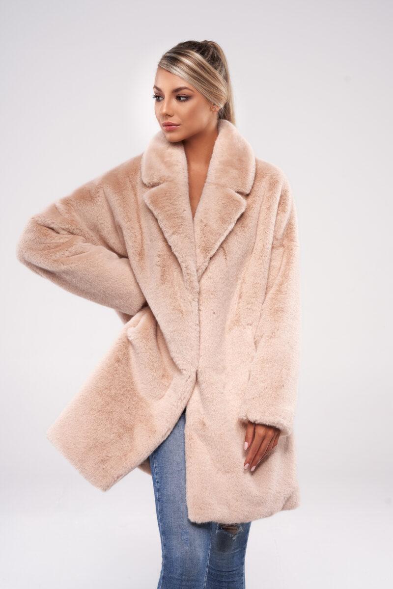 Różówy Nude Płaszcz Oversize Ze Sztucznego Futra