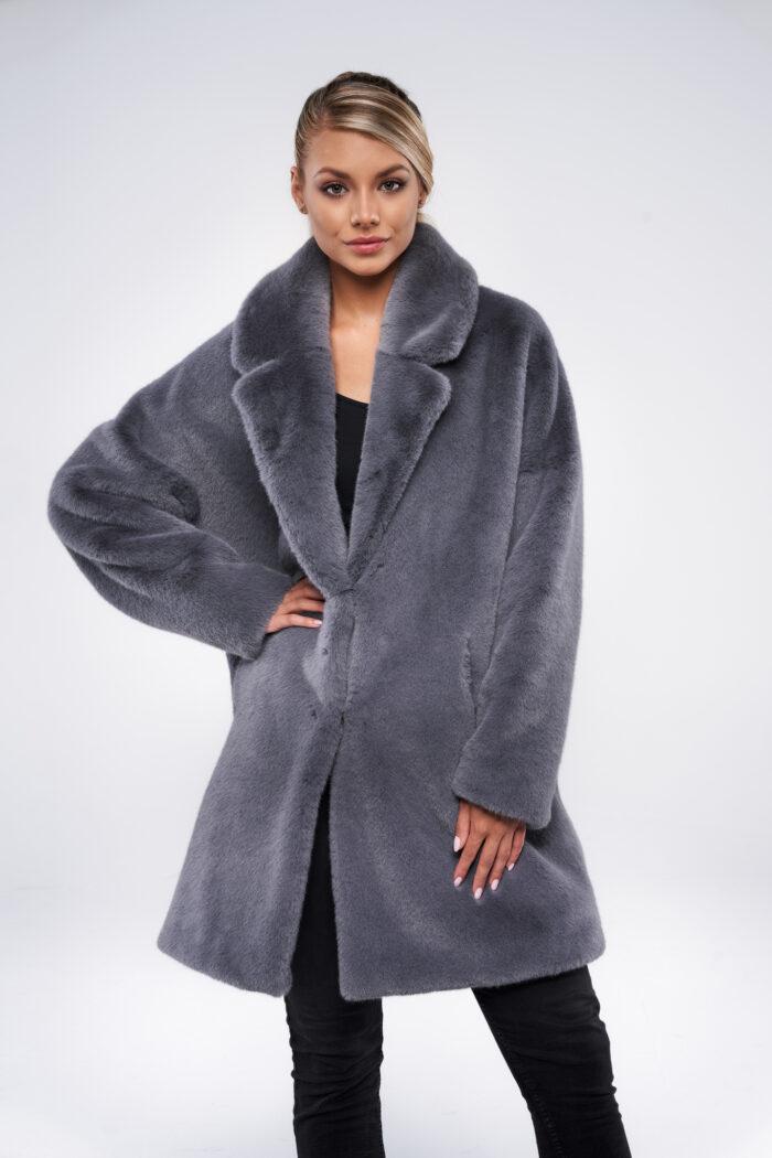 Szary oversize płaszcz ze sztucznego futra